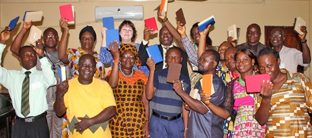 Students and faculty of the Bishop Innis Graduate School of Theology at UMU in Monrovia, Liberia conclude a successful day of training to use their new e-readers in the theological program